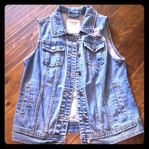 Light colored distressed jean vest size Medium